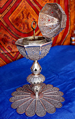 Filigrane incense burners