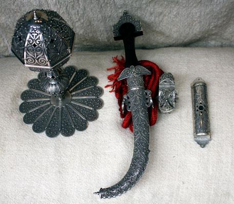 Collection encensoir, poignard, mazouza