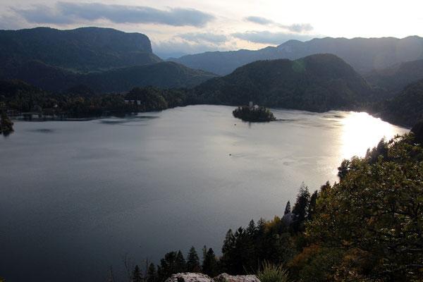 Petite vue sur le lac depuis le château de Bled