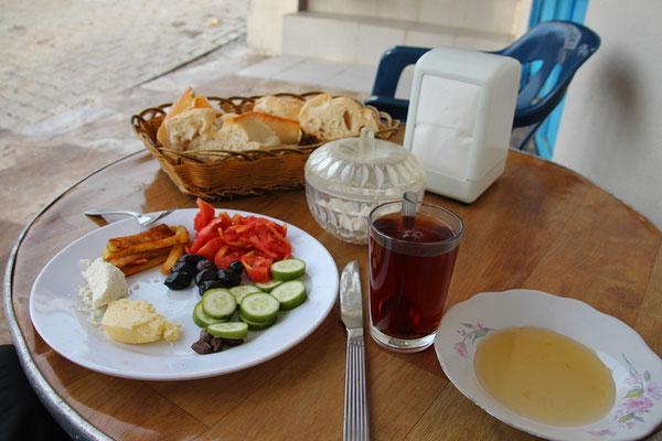 Petit déjeuner typique en Turquie