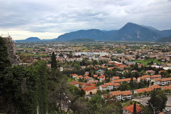 Les Dolomites depuis Gemonia del Friuli
