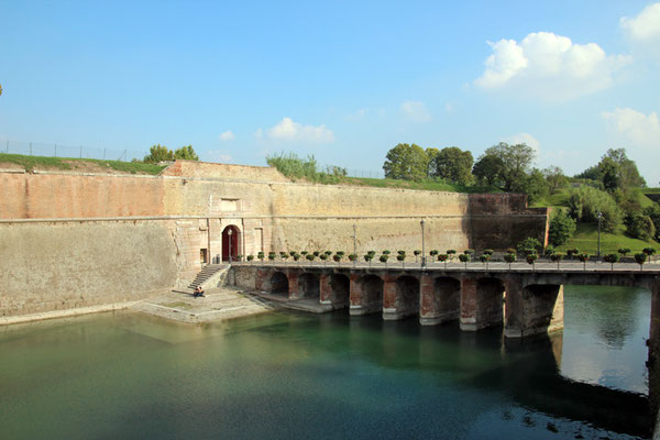 Porte de la vieille ville de Peschiera
