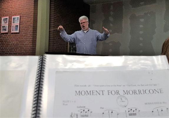 Thomas Lindt bei einer Probe mit dem Städtischen Musikverein Erkelenz im März 2018 - Foto: Marc-André Coersten