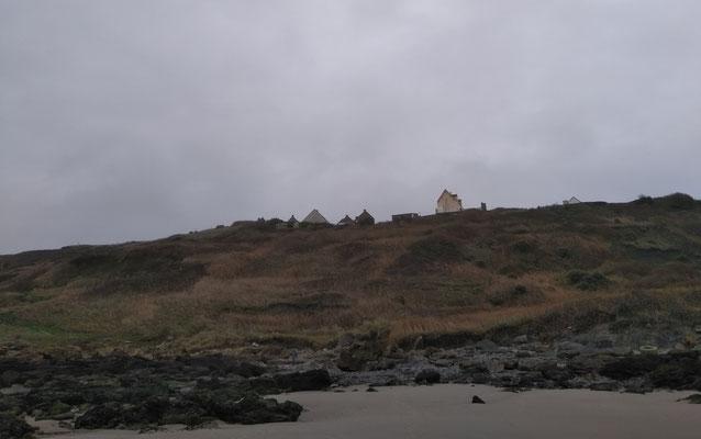 Equihen Plage: Der Weg zum Strand führte über diesen Hang.