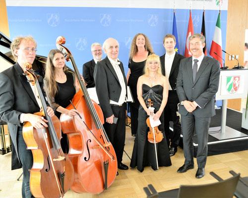 Betin Günes' Turkish Chamber Orchestra bei der Gedenkfeier zum 25. Jahrestag des Brandanschlags in Solingen am 29.05.2018 in der Staatskanzlei Düsseldorf - Foto: Frank Norden