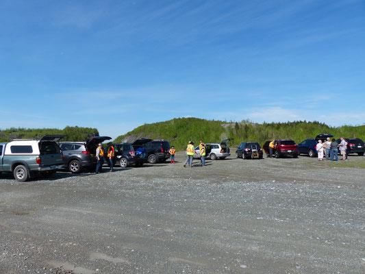 Dès 09h23 = 16 voitures dans le stationnement de la Flintkote...