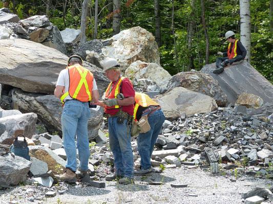 Déchets miniers provenant d'une autre carrière... / Recyclage...