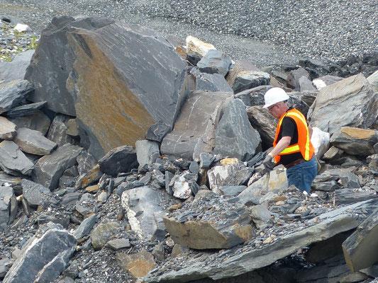 Quy Guérin à la recherche du plus gros cristal de quartz...