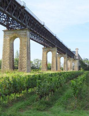 Eisenbahnbrücken sind in Frankreich vielfach Kunstwerke.