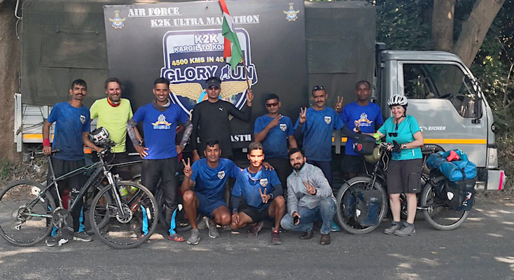 Sportsfreunde von der indischen Air Force laufen einen Ultramarathon: 4500 km in 45 Tagen!