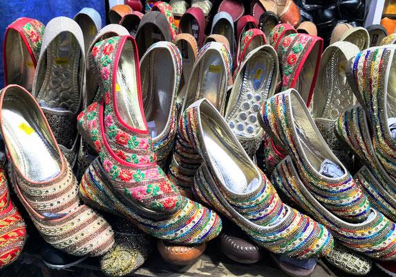Wunderschöne Schuhe zum Preis von $ 4.50
