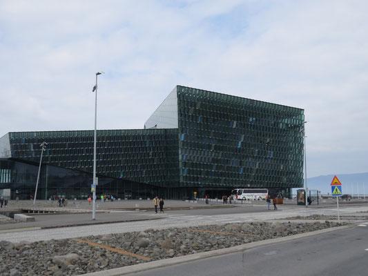 Das Konzertgebäude Harpa in Reykjavik