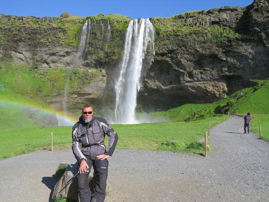 Der Seljalandsfoss bei schönstem Wetter
