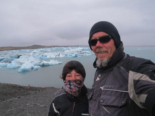 Gletschersee mit Touris