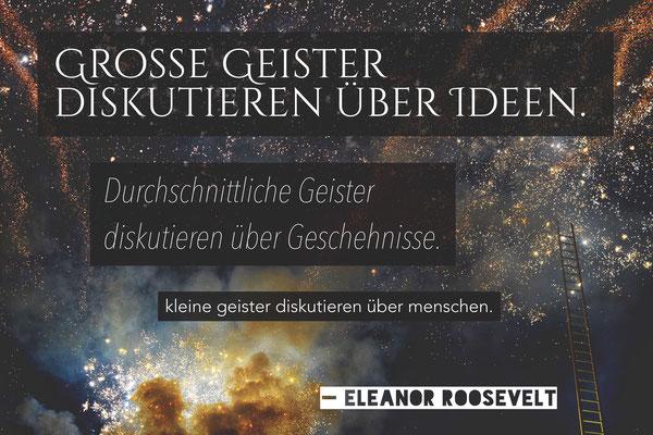 Ein Zitat, das mich seit Jahren begleitet. Das Foto zeigt die goldene Leiter in der Duisburger Innenstadt bei einem Feuerwerk im Sommer 2015.