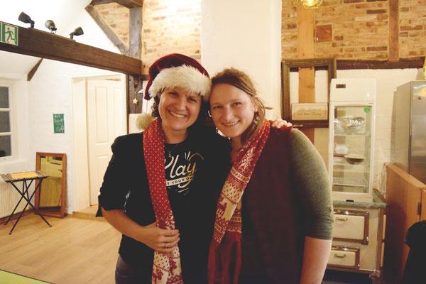 """Weihnachtskonzert im """"Die Unikate"""" in Hamburg mit einer außergewöhnlichen Gastgeberin."""