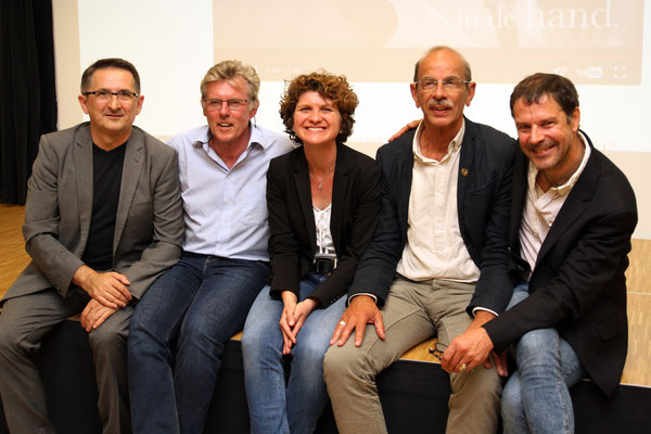 v. l. n. r.: Josip Sosic, Robert Tonks, Anke Johannsen, Martien van Hemmen, Gero Natzel; Foto: VHS Duisburg