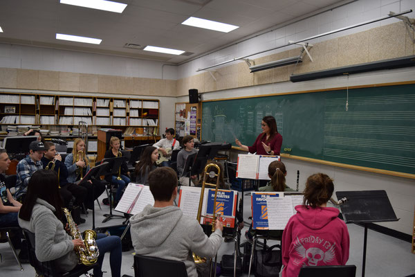 Clarinetist Jana Starling works with students at Owen Sound District Secondary School.