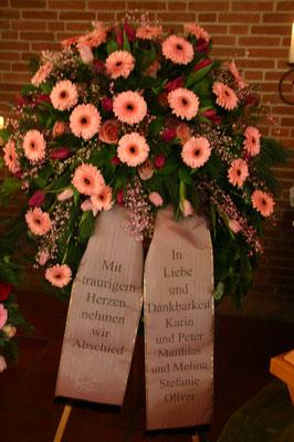 dekorativer Blütenkranz