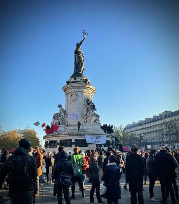 Place de la République, jour de manif' géante.