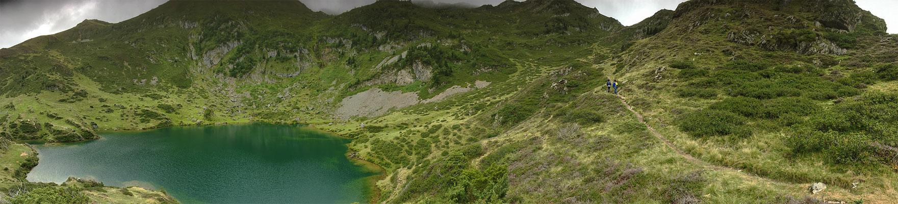 Pano montagne lac 2