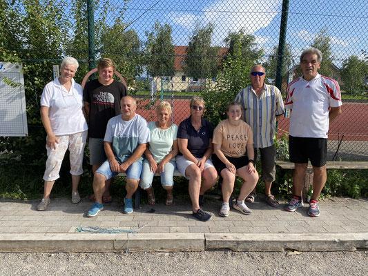 Alle Teilnehmer der Finalrunden (v.l.n.r.): Bettina, Jann, Erwin, Moni, Ingrid, Celine, Willi, Kalle