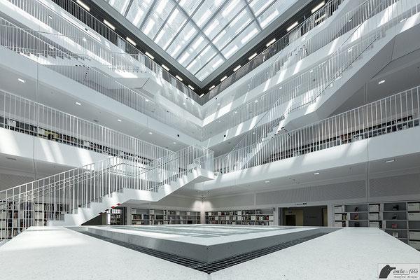 Stadtbibliothek Stuttgart / Yi Architects Aufnahme 3 / 4 - Vielen Dank für die Genehmigung zum Fotografieren und für die Veröffentlichung