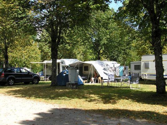 Emplacements camping de bo se location de chalet jura - Camping avec piscine jura ...