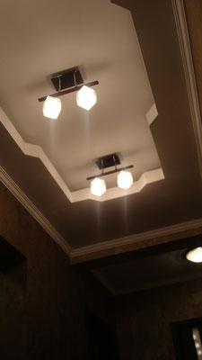 Потолок с закарнизной подсветкой.Вид 6. ИНТЕРЬЕР ТРЕХКОМНАТНОЙ КВАРТИРЫ