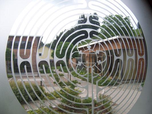 Scheidegg (Ev. Auferstehungskirche - Labyrinthfenster)