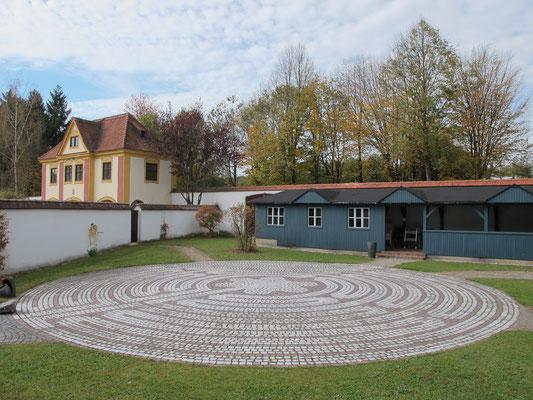 Oberschönenfeld (Kloster: Gästegarten - Labyrinth)