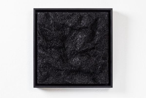 Katharina Lehmann / SOIL / Thread-Drip Painting - Acryl, 1.200 Meter Faden auf Leinwand / 30x30 cm / 2014 / Photo © Julia Smirnova