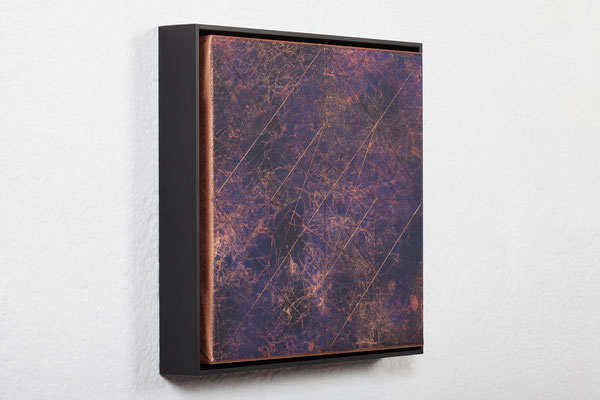 Katharina Lehmann / SEEMINGLY SAVE UNIVERSE V / Thread-Drip Painting - acrylic paint, copper wire on canvas / 32x32x5 cm / 2017 / Photo © Julia Smirnova