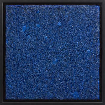 Katharina Lehmann / BLUE MONOCHROME / Thread-Drip Painting - Acryl, 900 Meter Faden auf Leinwand / 30x30 cm / 2014 / Photo © Andrej Nikolajew