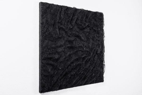 Katharina Lehmann / BLACK STREAMS / Thread-Drip Painting - acrylic paint, thread on canvas / 100x100 cm / 2016 / Photo © Julia Smirnova