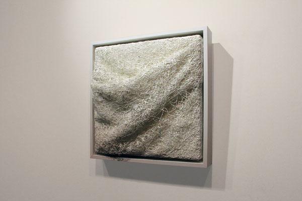 Katharina Lehmann / SHELTER / Thread-Drip Painting - acrylic paint, thread on canvas, LEDs / 30x30 cm / 2016