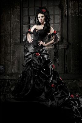 Rot schwarzes Brautkleid, Steampunk Hochzeit
