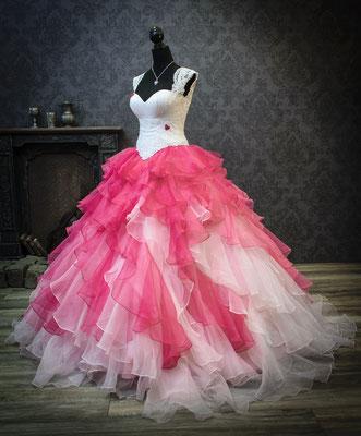 Pinkes Brautkleid