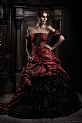 Extravagantes Brautkleid, Rockabilly Hochzeit, Dirndl Variante