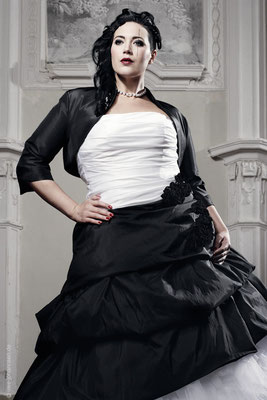 Extravagante Brautmode Gr. 50