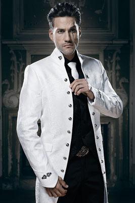 Gehrock weiß, ausgefallener Anzug, besondere Herrenmode