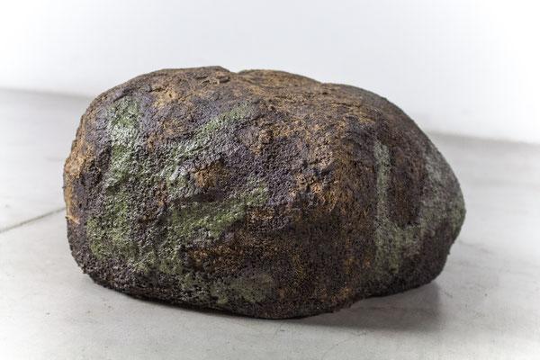 garden rock, 2019, ceramic, enamel and oxide, 16x35x30 cm