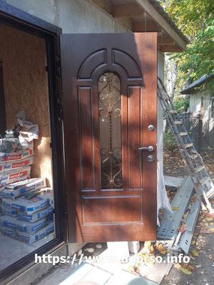 Металлическая дверь стекло+ковка.