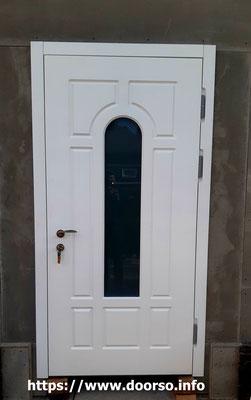 Металлические двери со стеклом в городе Руза.