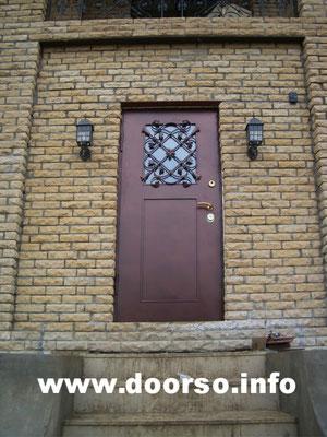 Дверь со стеклом.