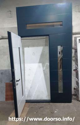 Подъездные двери со стеклом.