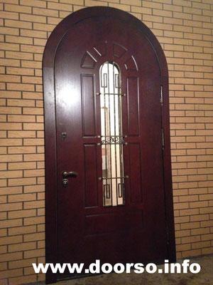 Металлическая дверь арочная+стекло.