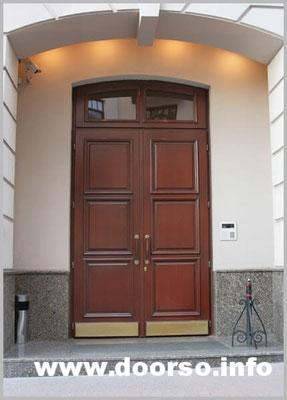 Арочная металлическая дверь с верхней встакой+сткло.