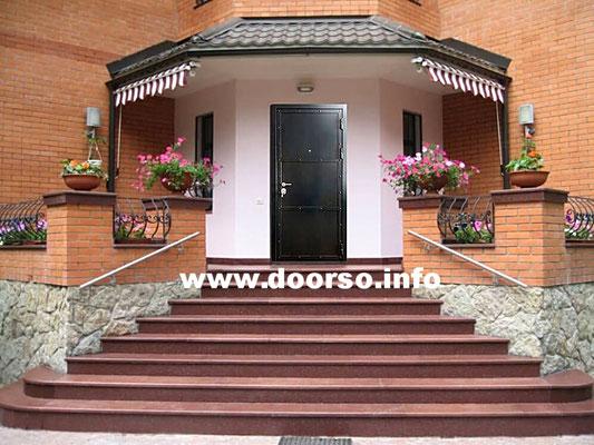 Металлическая дверь серии сундук.