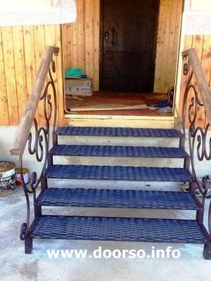 Металлическая лестница.